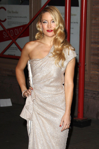 Kate Hudson Retro Hairstyle