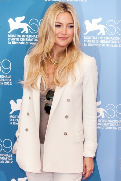 More Pics of Kate Hudson Gold Choker Necklace (2 of 7) - Kate Hudson Lookbook - StyleBistro