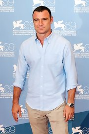 Liev Schreiber looked charming and effortlessly handsome in a baby blue button-down.