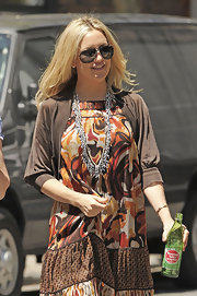 On set of 'Something Borrowed,' Kate's hand-strung seed bead Yasmine necklace perfectly complements her bohemian style.