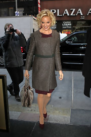 Katherine Heigl looked extra sophisticated in an elegant wool wrap coat.