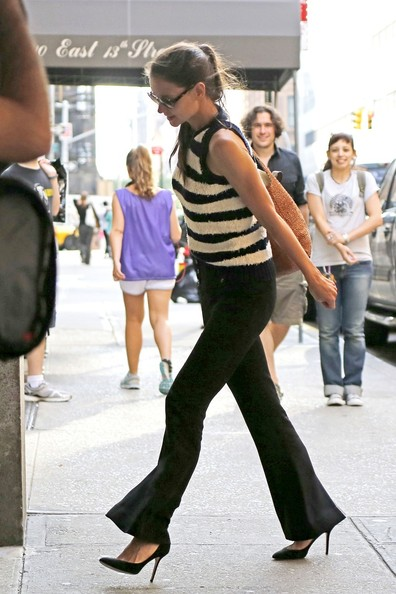 More Pics of Katie Holmes Knit Top (1 of 5) - Katie Holmes Lookbook - StyleBistro