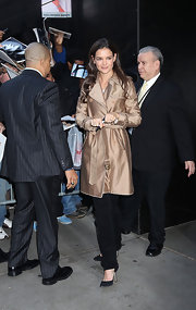 Katie Holmes took to 'Good Morning America' to promote her new film, 'Jack & Jill.' The starlet was chic in a bronze trenchcoat paired with black pumps.