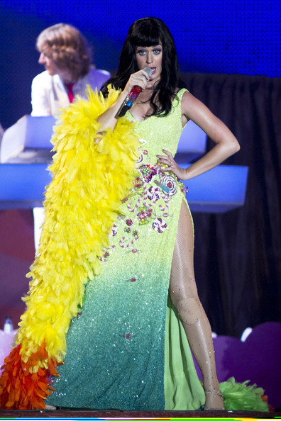 Katy Perry Stole []