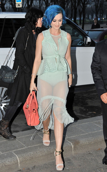 More Pics of Katy Perry Leather Tote (1 of 1) - Katy Perry Lookbook - StyleBistro []