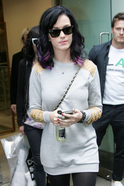 More Pics of Katy Perry Statement Ring (5 of 10) - Katy Perry Lookbook - StyleBistro []