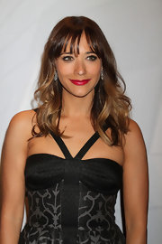 Rashida Jones' honey locks looked gorgeous when styled into loose waves.