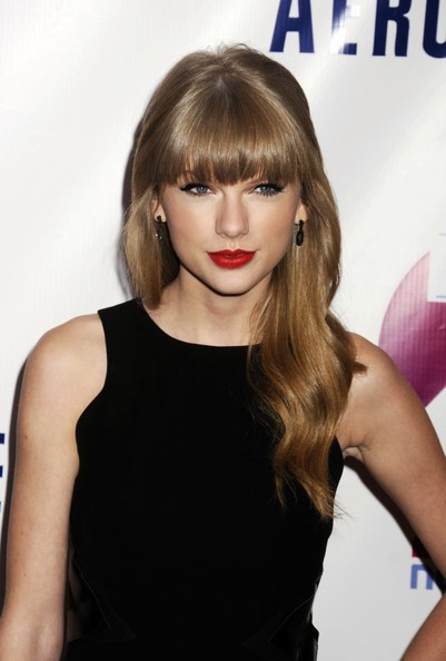 More Pics of Taylor Swift Peep Toe Pumps (2 of 3) - Taylor Swift Lookbook - StyleBistro