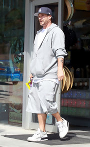 Kevin Federline completed his casual look with a pair of Air Jordans while stopping for some gas and snacks.