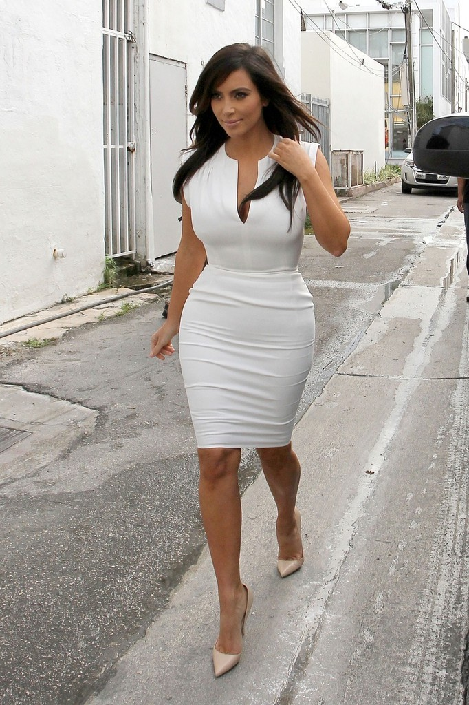 Kim Kardashian Day Dress Dresses Skirts Looks Stylebistro