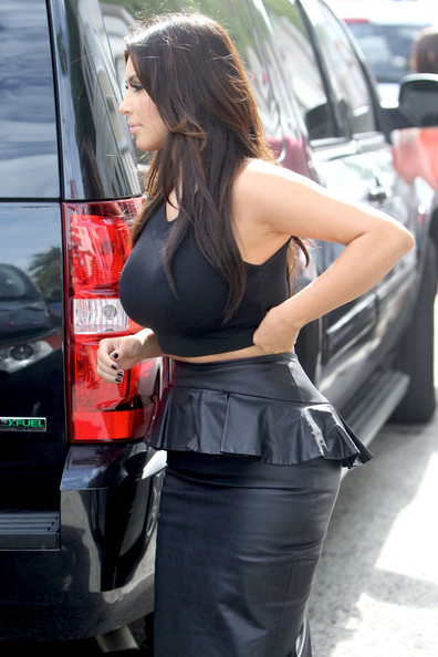 More Pics of Kim Kardashian Crop Top (4 of 13) - Kim Kardashian Lookbook - StyleBistro