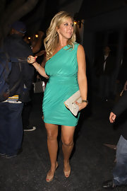 This sea green one-shoulder cocktail dress looked amazing on Vicki Gunlavson. The ruching was exquisite.