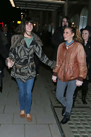 Lana Del Rey opted for a pair of well-washed denim skinnies for a date night in Londontown.