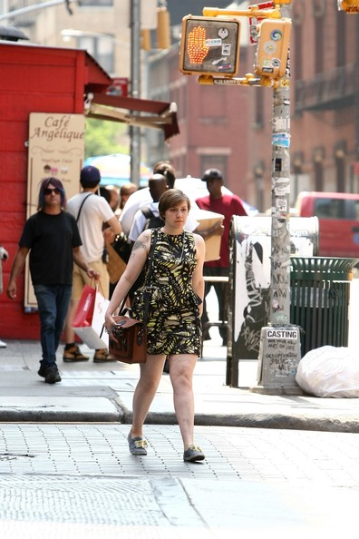 More Pics of Lena Dunham Print Dress (1 of 27) - Lena Dunham Lookbook - StyleBistro