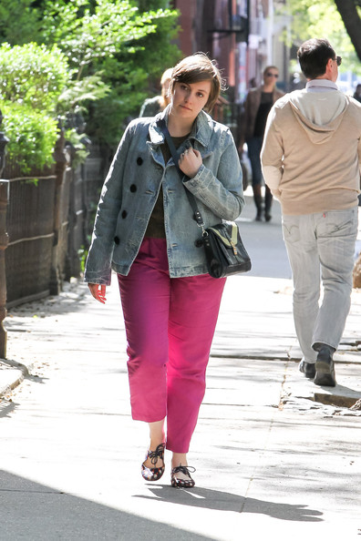 More Pics of Lena Dunham Crewneck Sweater (5 of 13) - Lena Dunham Lookbook - StyleBistro