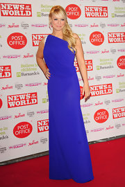 Liz Mcclarnon unleashed her inner diva in a cobalt-blue one-shoulder gown.