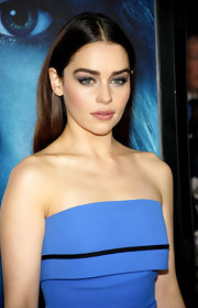 Emilia Clarke's green eyes popped against this bright blue metallic shadow and thick lashes.