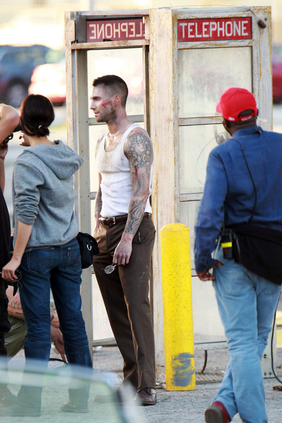 Adam Levine Shoots the 'Payphone' Music Video in LA