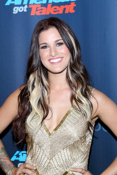 More Pics of Cassadee Pope Long Wavy Cut (1 of 4) - Long Wavy Cut Lookbook - StyleBistro