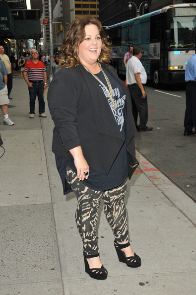 More Pics of Melissa McCarthy Medium Curls (1 of 16) - Melissa McCarthy Lookbook - StyleBistro