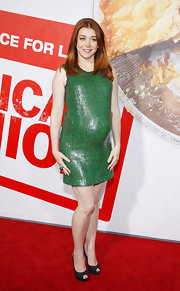 Alyson Hannigan wore this Kelly green sequined dress to the 'American Reunion' premiere.