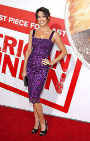 Shannon Elizabeth walked the red carpet at the premiere of 'American Reunion' wearing a pair of black satin peep toe slingbacks.