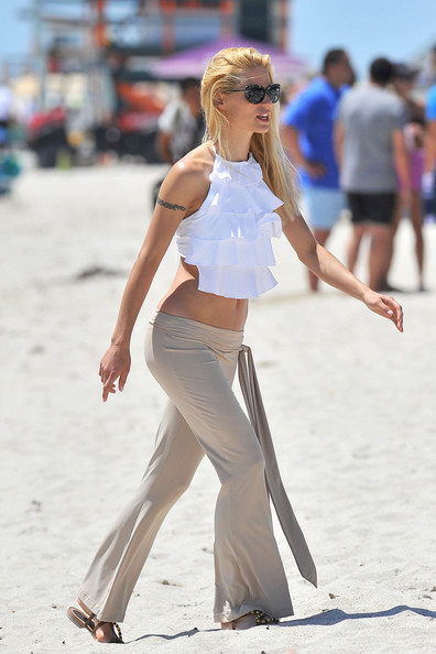 Michelle Hunziker Clothes