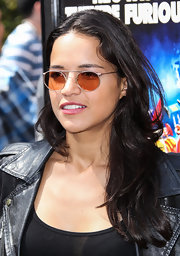 Michelle Rodriguez stuck to simple styling with this loose wavy 'do at the Turbo-Charged Party in LA.