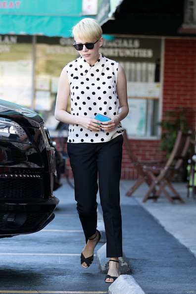 Michelle Williams Flat Sandals