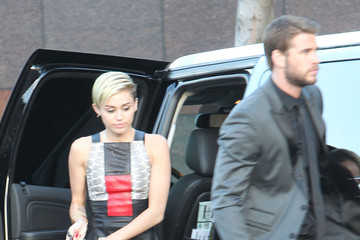 Miley Cyrus Liam Hemsworth Miley Cyrus and Liam Hemsworth Make Red Carpet Appearance