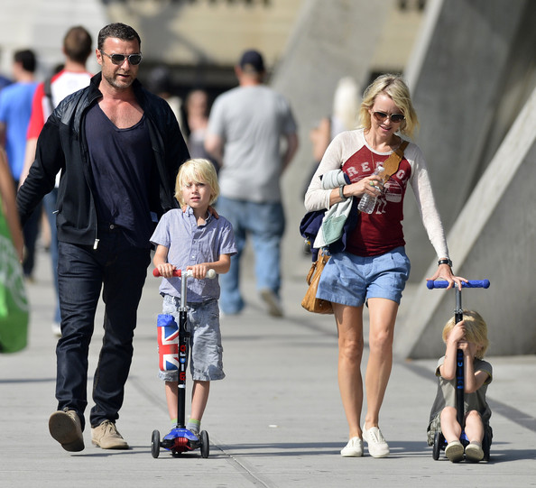 More Pics of Naomi Watts Denim Shorts (3 of 4) - Naomi Watts Lookbook - StyleBistro