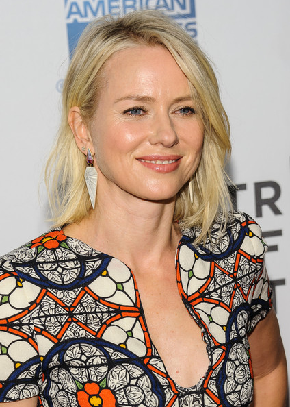 More Pics of Naomi Watts Medium Layered Cut (7 of 7) - Naomi Watts Lookbook - StyleBistro