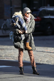 A nearly unrecognizable Naomi Watts was spotted in NYC in a pair of brown ankle boots.