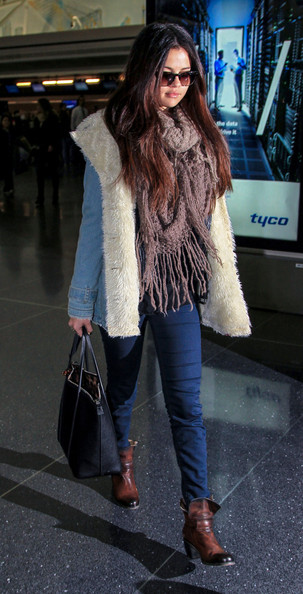 More Pics of Selena Gomez Denim Jacket (5 of 11) - Selena Gomez Lookbook - StyleBistro