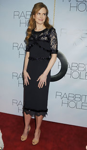 Nicole Kidman paired a ladylike pencil dress with spot on nude peep-toe pumps.