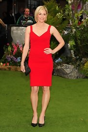 Snapped outside the premiere of 'Snow White and the Huntsman' in London, Jenni looked red-hot in her bright fitted frock.