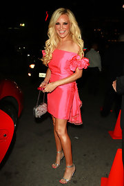 Bridget donned a frilly hot pink cocktail dress with ruffly shoulders to the US Magazine Hot 100 Party.