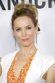 Leslie Mann pulled her hair into a high, wispy bun for the premiere of 'This is 40.'