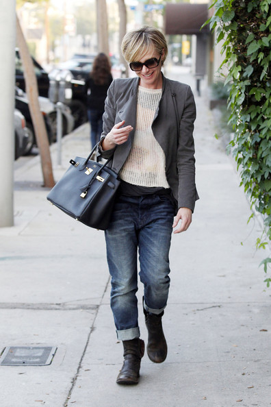 More Pics of Portia de Rossi Boyfriend Jeans (1 of 19) - Boyfriend Jeans Lookbook - StyleBistro