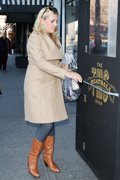 More Pics of Busy Philipps Wool Coat (3 of 13) - Wool Coat Lookbook - StyleBistro