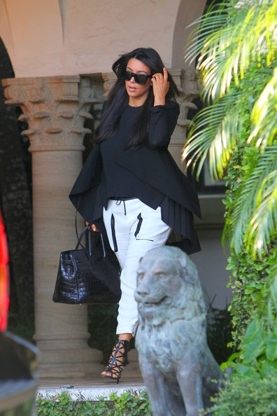More Pics of Kim Kardashian Leather Tote (4 of 11) - Leather Tote Lookbook - StyleBistro