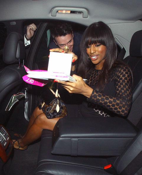 More Pics of Alexandra Burke Printed Tote (1 of 6) - Alexandra Burke Lookbook - StyleBistro