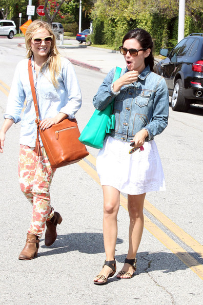Kristen Bell and Rachel Bilson bond over hair treatments at the salon in Los Angeles