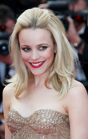 Rachel McAdams showed off her blonde locks with this half up half down 'do.