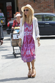 Rachel Zoe chose a pink paisley dress while out shopping in Malibu.