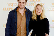 Robert Pattinson and Reese Witherspoon Photo