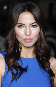 Whitney Cummings wore a shimmery pale pink lip gloss at the premiere of 'This Means Wars.'