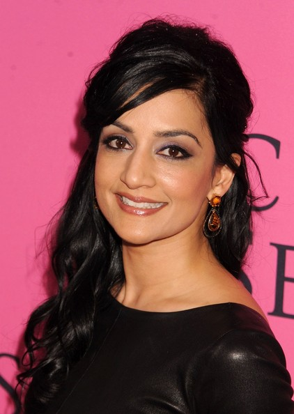 More Pics of Archie Panjabi Half Up Half Down (4 of 4) - Archie Panjabi Lookbook - StyleBistro