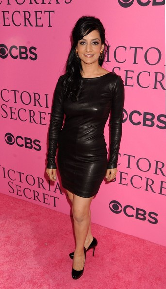 More Pics of Archie Panjabi Half Up Half Down (3 of 4) - Archie Panjabi Lookbook - StyleBistro