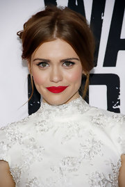 Holland Roden red lips were applied with razor precision for the 'Warm Bodies' movie premiere.